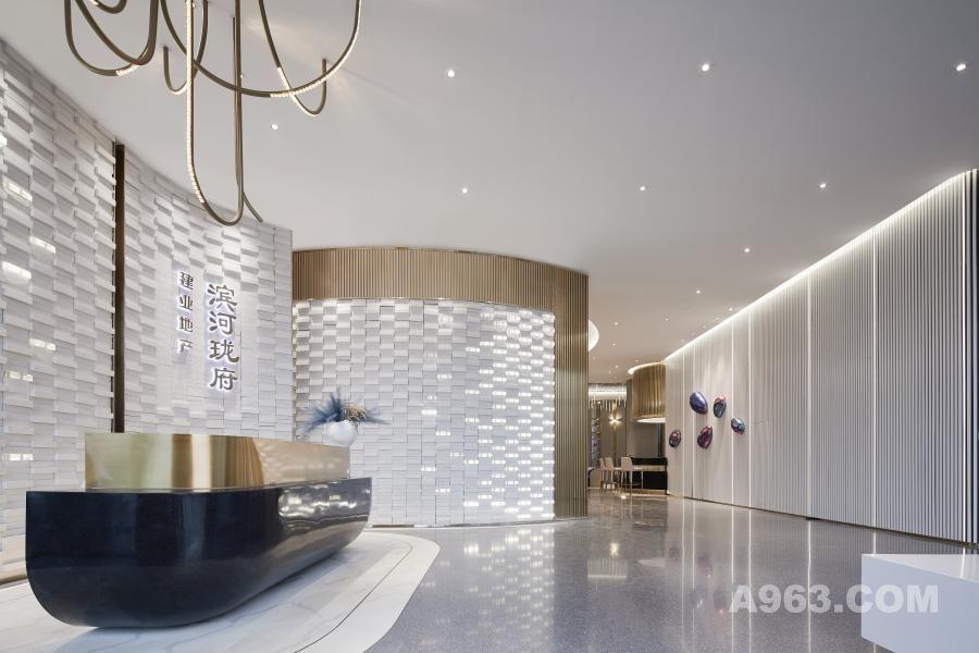 接待大厅丨金属格调,白墙质感